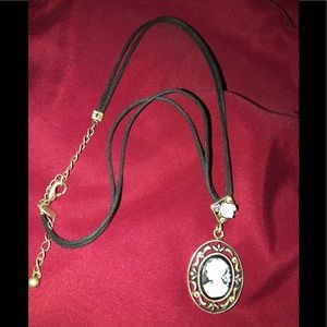 Jewelry - Wear your Cameo